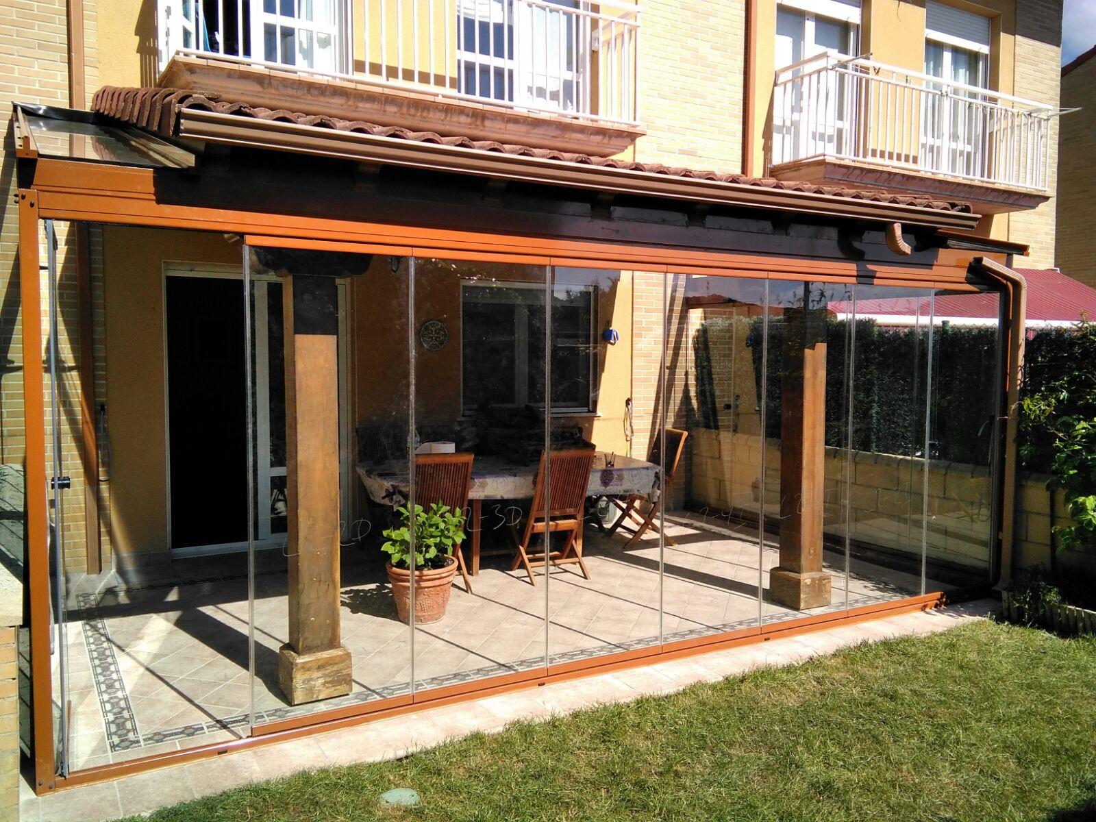 Porches de aluminio imitacion madera galnot with porches - Porches de aluminio y cristal ...